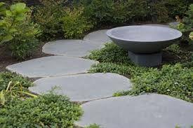 Bluestone Rounds Google Search Garden Paving Garden Stepping Stones Crazy Paving