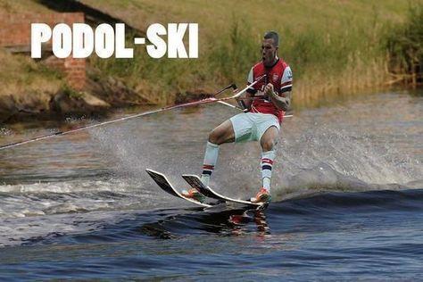 Lukas Podolski ciśnie na wodzie • Śmieszne memy w piłce nożnej • Podol - ski czyli Lukas Podolski na nartach wodnych • Zobacz >>