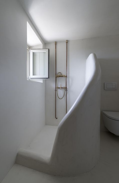 Trend Alert 13 Sculptural Baths And Showers Remodelista Greece House Bathroom Design Bathroom Interior