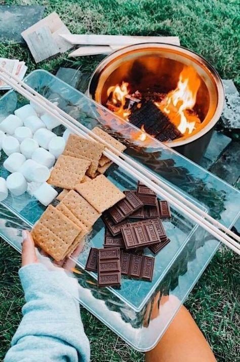 Summer Aesthetic, Aesthetic Food, Kreative Desserts, Fun Sleepover Ideas, Teen Sleepover, Sleepover Food, Cute Date Ideas, Summer Goals, Summer Fun List