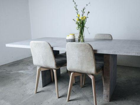 Essbereich Arbeitstisch Esstisch Stühle Holz Deko Vase