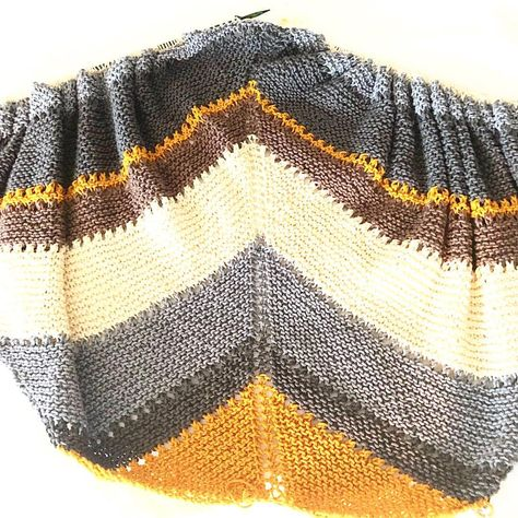 8ac78294d19 This  coffeeshopwrap pattern by Alexandra Tavel  twoofwands is everything!!  If you have thought of making this