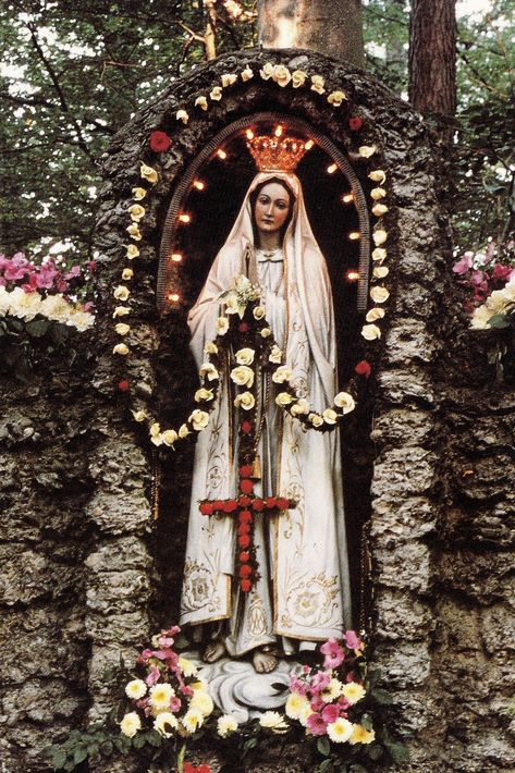 """allaboutmary: """"The statue of Our Lady of Fatima venerated outside the pilgrimage church of Maria Vesperbild in Bavaria, Germany. """" """"'Hail Mary, full of grace, the Lord is with thee!' No creature has ever said anything that was more pleasing to me,. Blessed Mother Mary, Blessed Virgin Mary, Catholic Art, Catholic Saints, Religious Icons, Religious Art, Madonna, La Madone, Lady Of Fatima"""