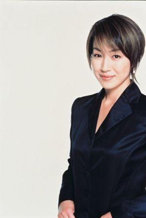 華やか大人スタイル 高島礼子さんの髪型をまとめてみました の記事