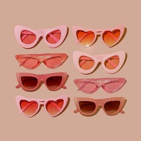 Heart Shaped Sunglasses, Girl With Sunglasses, Cute Sunglasses, Sunglasses Accessories, Vintage Sunglasses, Sunnies, Sunglasses Women, Cat Eye Sunglasses, Aesthetic Drawing