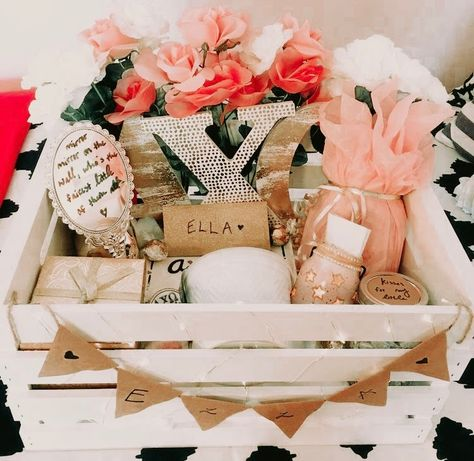 Leading up to the grand Big/Little reveal, baskets are a MUST! Big Little Week, Big Little Reveal, Big Little Gifts, Engraved Picture Frames, Painted Picture Frames, Sorority Big Little, Sorority Canvas, Sorority Paddles, Sorority Crafts