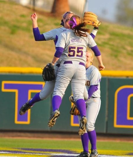 College Softball Pictures Sport Photography – Creative Dress Of College Game Day