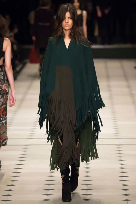 Burberry Prorsum Fall 2015 Ready-to-Wear Fashion Show Collection: See the complete Burberry Prorsum Fall 2015 Ready-to-Wear collection. Look 17