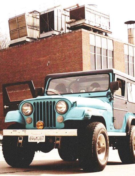 Stiles' Jeep is literally what I want my future vehicle to be, minus all of the problems and duck tape fixing