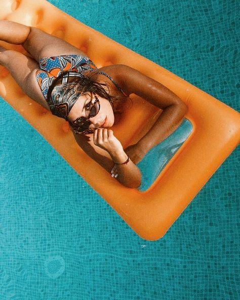 Tanning problems: when your arms are always darker then your legs . . . . . . . . . . . . . #vacationlook #fashionista #inspofashion #inspirationstyle #styleblogger_de #styleinspirations #fashionootd #siswimsuit #blogger_deutschland #bloggerstyle #germanblog #bathingsuits #minimalstyle #colorblocking #casualchic #californiavibes #modeblogger #minimalstyle #vacationmood #orangeoutfit #orangeisthenewblack #fashiondetails #effortlesschic #outfitdetails #wearthisnext #mystylediary #petitefashion