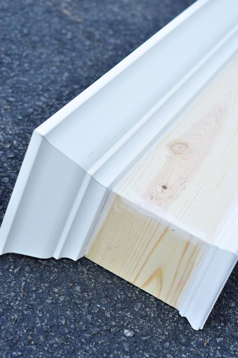 Build your own wood window cornice! A solid wood window valance box is easy to make and covers curtain rod hardware while giving your windows an upscale style on a budget. Wooden Window Valance, Diy Window Treatments, Diy Window, Bathroom Windows, Window Valance Box, Window Cornices, Wood Windows, Wood Valances For Windows, Remodel Bedroom