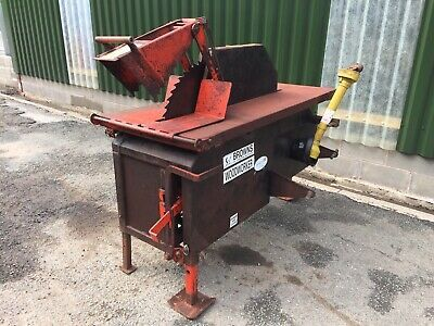 Browns Woodworker Pto Tractor Saw Bench In 2020 Classic Tractor Vintage Tractors Tractors