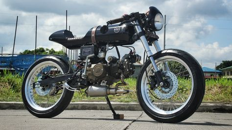 Rusi Mojo Cafe Racer by Iron Macchina Custom