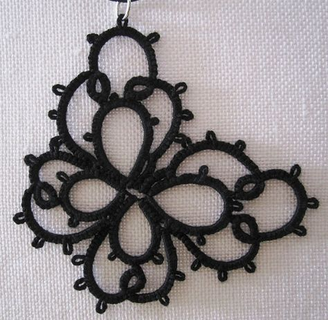 Butterfly tatted necklace by ororosilvia on Etsy