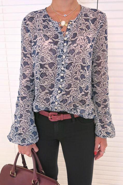 Bayanlar Icin Yazlik Sifon Gomlek Modelleri Lacivert Uzun Kollu Salas Desenli Moda Stilleri Kadin Kiyafetleri Sifon Bluzlar