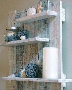 Wood Pallets Wood Pallet Wall Shelf - If you're looking for a wallet-friendly furniture project, here are 25 Easy DIY Pallet Projects ideas to match your budget. Pallet Crafts, Diy Pallet Projects, Home Projects, Craft Projects, Diy Projects With Pallets, Diy With Pallets, Design Projects, Palette Projects, Outdoor Pallet Projects