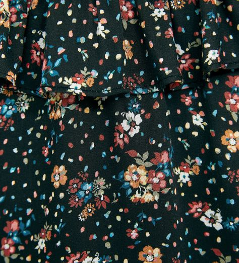 Image 4 of FLOWING FLORAL DRESS WITH RUFFLES from Zara