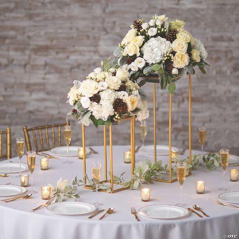Gold Wedding Centerpieces, Wedding Table Centerpieces, Wedding Table Settings, Wedding Reception Decorations, Floral Centerpieces, Gold Wedding Theme, Vintage Centerpiece Wedding, Wedding Ballroom Decor, Wedding Floral Arrangements