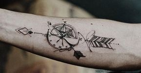Catalogo De Tatuajes De Brujulas Significados Para Hombres En El Brazo En El Hombro P Mejores Tatuajes Para Hombres Tatuajes Para Hombres Tatuajes Brujula