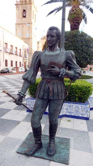 Statue Of Fernando De Rojas 1470 1541 Talavera De La Reina Toledo Estatuas Reina