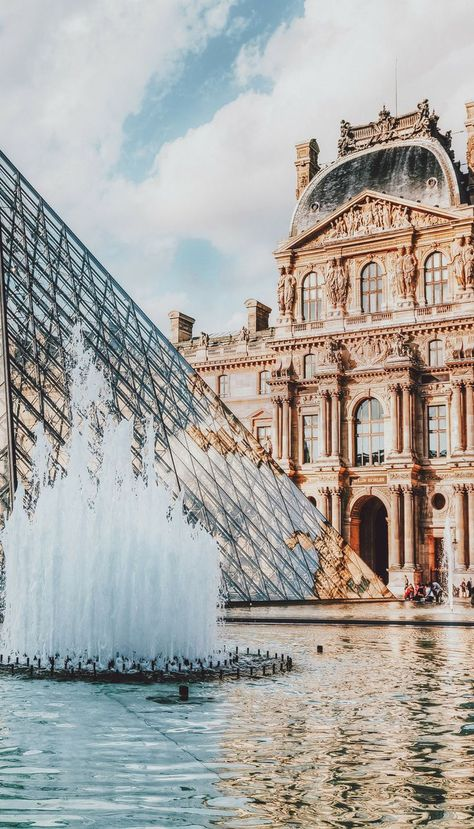 The Louvre in Paris. The Louvre is the world's largest museum, and easily arguable as the world's most famous museum and houses so much more than the Mona Lisa. What to see your first time in Paris! Places To Travel, Places To See, Travel Things, Food Places, Paris Travel Tips, Time Travel, Travel Europe, Paris Tips, Travel Goals