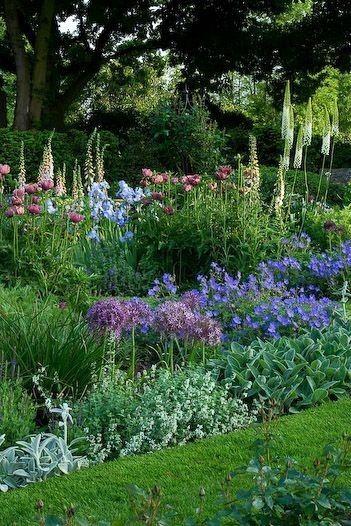Janie S Garden By Brielle Leay Designs In 2020 Garden Design Photo