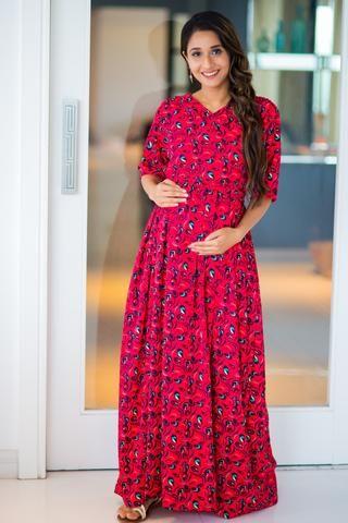 f2e38cc3784 Bubble Crepe Chic Red Maternity   Nursing Wrap Dress  momzjoy   ownyourconfidence  maternityfashion  nursingwear  nursingstyle  comfort   India  pregnancy ...