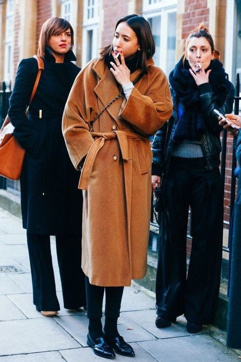 Winter Street Style Outfits To Keep You Stylish and Warm - Oversized camel coat