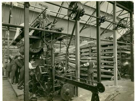 Photographic Print: Axminster Jacquard Loom, Carpet Factory