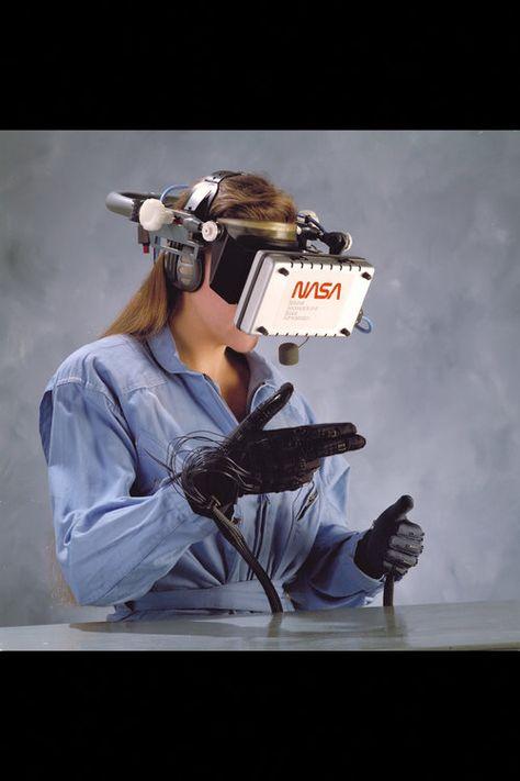 NASA / training astronauts with virtual reality, 1988.