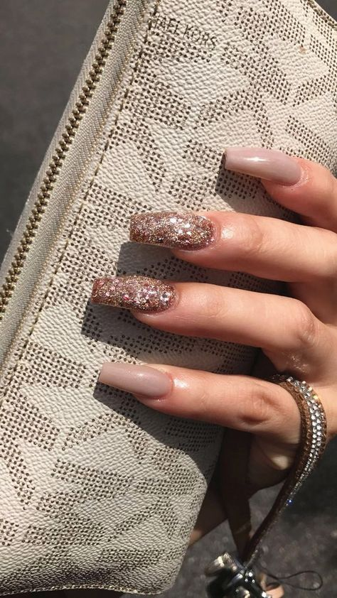 There are great nail design ideas ladies with long nails should consider. Multiple artificial nail ideas that are available for women of all groups in the current times include gel nails, acrylic nails, wraps and press nail.