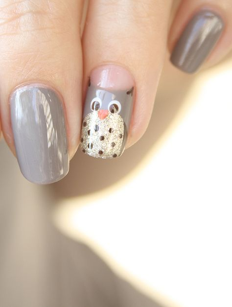 Breathtaking 25 Amazing Turkey Nail Art Ideas There are several beautiful and festive tactics to do your nails for Thanksgiving. Once they are fully dry, consider applying a topcoat to preven Owl Nail Art, Owl Nails, Funky Nail Art, Animal Nail Art, Bird Nail Art, Minion Nails, Pink Nails, Ongles Funky, Owl Nail Designs