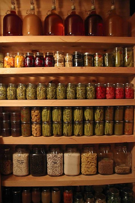A well stocked pantry is comforting. There is always something to eat at home. With planning a pantry can save money, energy and time. cellar A Homesteader's Well Stocked Pantry Pantry Storage, Pantry Organization, Canning Jar Storage, Seed Storage, Basement Storage, Bedroom Storage, Cocina Office, The Farm, Root Cellar