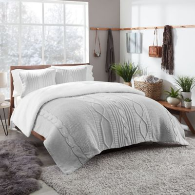 Luxuriously Soft The Ugg Sloanne Reversible Comforter Set Beautifully Complements Any Bedroom Decor With Its Comforter Sets Duvet Cover Sets Gray Duvet Cover