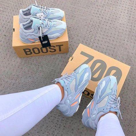 Utility Black 700 V2 Kanye West Geode Static Men Running Shoes Vanta Inertia Runner Wave Solid Grey Women Sports Sneakers US 5-11.5