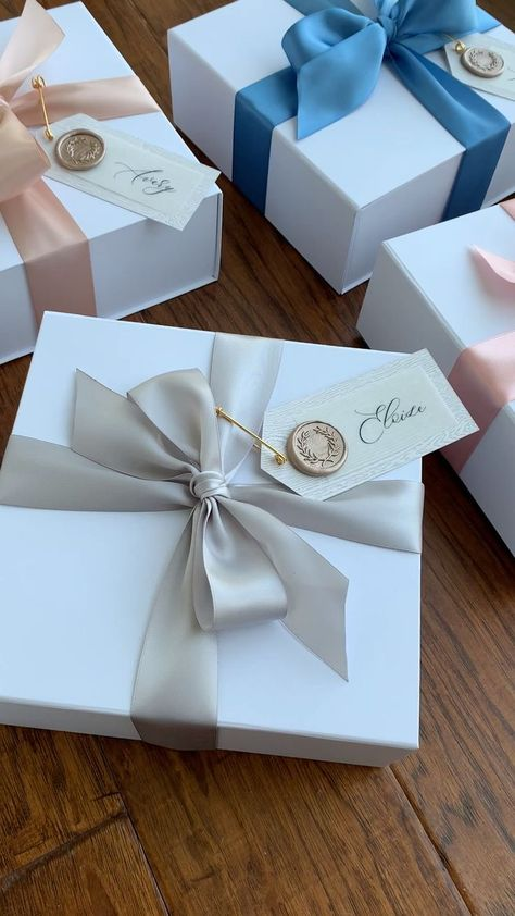 Shop Our Customizable Bridesmaid Proposal Boxes - Custom Gift Box - Bridesmaid Gift Boxes, Bridesmaid Proposal Gifts, Bridemaid Box, Bridesmaid Gifts Unique, Wedding Bridesmaids, Party Gift Bags, Party Gifts, Spa Gifts, Creative Gift Wrapping