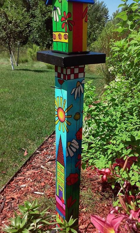 38 Ideas Yard Art Totems Peace Pole With Images Garden Poles