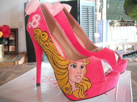 I NEED THESE! Kacie Stanford paint me up some heels =)