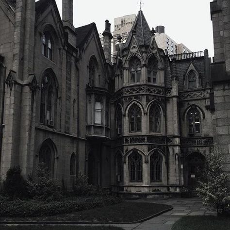 gothic architecture in india Gothic Aesthetic, Slytherin Aesthetic, Aesthetic Vintage, Imagenes Dark, Gothic Architecture, Ancient Architecture, Interior Architecture, Victorian Gothic, Middle Ages