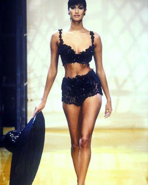 Christian Dior Runway fashion show Yasmeen Ghauri