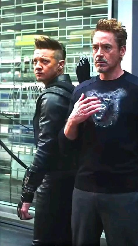 Who is the big fan of iron man just let me know in the comments.....