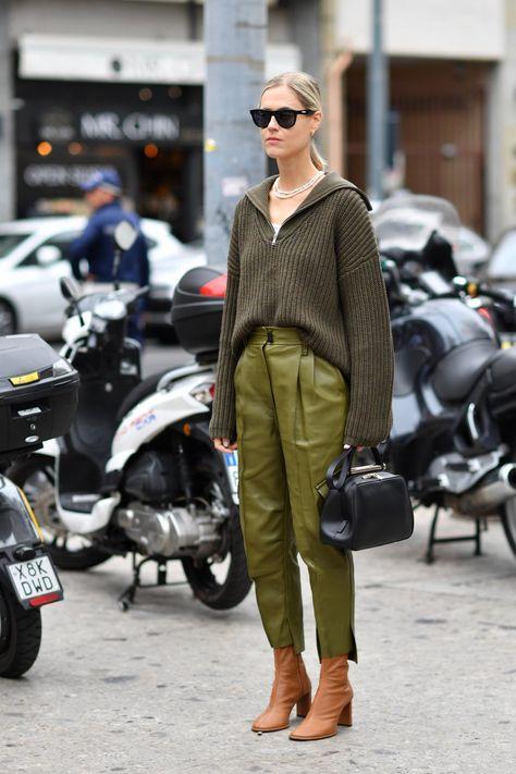 Street Style – Part 2 Milan Fashion Week Spring/Summer 2020 – Daily Fashion Fashion Week Paris, Paris Street Fashion, Fashion Milan, Milano Fashion Week, Lakme Fashion Week, 2020 Fashion Trends, Tokyo Fashion, Fashion 2020, Look Fashion