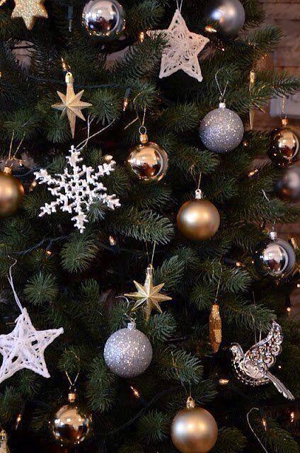 Alberi E Decorazioni Natalizie.Decorazioni In Metallo Oro E Argento Idee Natale Fai Da Te Decorazioni Albero Di Natale Buon Natale