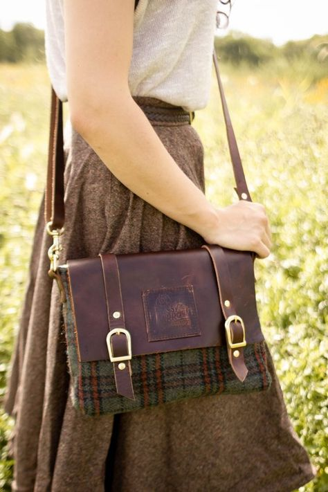 Elliott: Leather and Wool Crossbody Bag - Sassy SparrowThe Elliott: Leather and Wool Crossbody Bag - Sassy Sparrow Small Messenger Bag, Canvas Messenger Bag, Womens Messenger Bag, Leather Label, Leather Bags, Leather Bag Vintage, Leather Wallets, Vintage Leather Messenger Bag, Bag Women