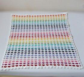 Pattern in English of crochet heart blanket