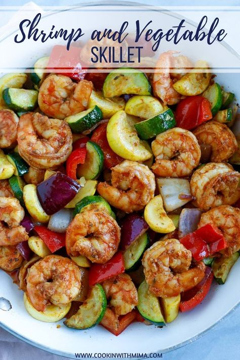 This Shrimp and Vegetable Skillet is a quick and healthy dinner or lunch recipe! It's super low in carbs and loaded with delicious veggies. You can make this spicy or non-spicy and stores well in containers for meal-prepping. This recipe is loaded with delicious vegetables and healthy shrimps. #shrimpandvegetables #shrimpskillet #shrimpdinner #shrimplunch #cookinwithmima