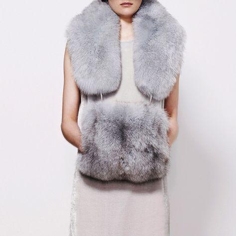 Fur Fashion, Winter Fashion, Fur Jacket, Fur Coat, Fur Vest Outfits, Craft Fur, Shiny Boots, Fur Purse, Fur Accessories