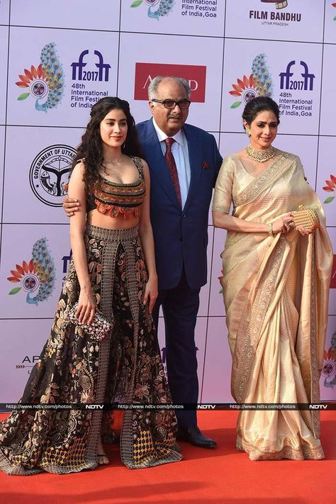 Sridevi and Shah Rukh Khan were present at IFFI Day