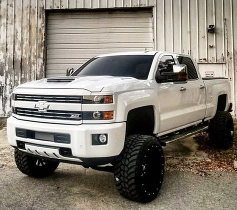 Lifted Trucks (@_LiftedTrucks_) on Twitter Big Ford Trucks, New Trucks, Diesel Trucks, Custom Trucks, Cool Trucks, Jacked Up Chevy, Chevy Duramax, Lifted Chevy Trucks, Pickup Trucks