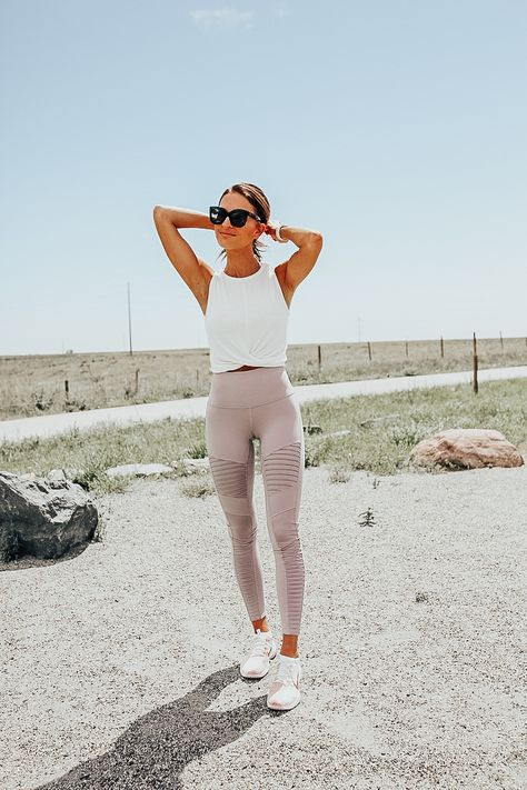 lauren sims nordstrom sale activewear Outfits My Top Activewear Picks From the Nordstrom Anniversary Sale - Lauren Kay Sims Yoga Outfits, Legging Outfits, Leggings Outfit Fall, Cute Workout Outfits, Athleisure Outfits, Workout Attire, Casual Winter Outfits, Sport Outfits, Cute Outfits